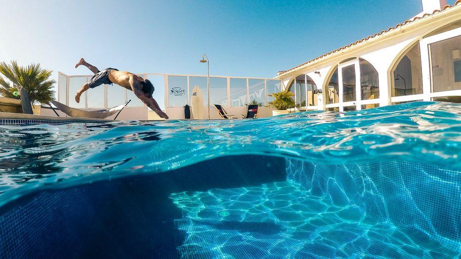 video surf lodge algarve